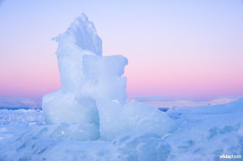 IJsschotsen op het meer Torneträsk in Lapland, Abisko Zweden
